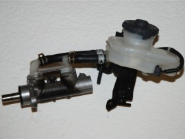 1 x Honda Civic Type R brake master cylinder